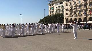 Greek navy band plays hit pop song Despacito - Video