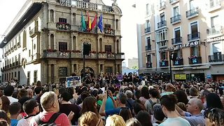 Bail for 'Wolf Pack' Sexual Abuse Culprits Sparks Outrage and Protests in Pamplona - Video
