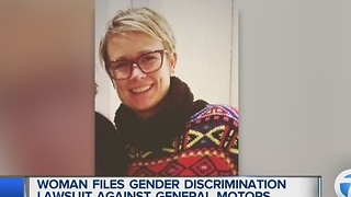 Woman files gender discrimination lawsuit against General Motors - Video