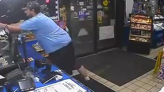 CAUGHT ON CAMERA: Thief steals $500 worth of lottery tickets from Milwaukee gas station - Video