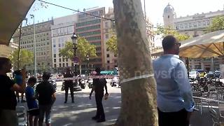 Hundreds evacuated in Barcelona in new attack scare - Video