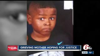 Grieving mother hopes to find suspect who killed 10-year-old - Video