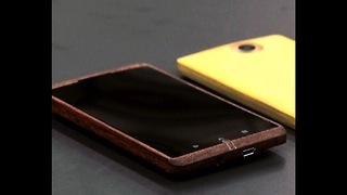 World's First Wooden Smartphone - Video