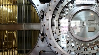 Top 10 most highly guarded vaults - Video