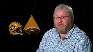 Green Bay Packers fan sues Chicago Bears over dress code - Video