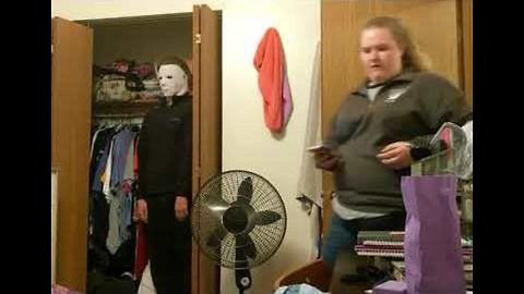 Man Wears Michael Myers Mask to Frighten Unsuspecting Housemate
