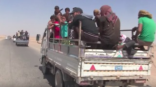 Civilians Flee North Toward Raqqa From Fighting in Deir Ezzor