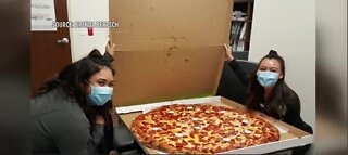 Las Vegas woman sends pizzas to hospital workers