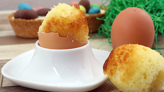 How to make an Easter egg cake - Video