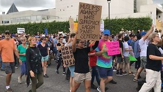 Hundreds Protest Richard Spencer's Speech at University of Florida - Video