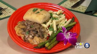 Windsor Heights Assisted Living offers healthy, delicious meals for residents