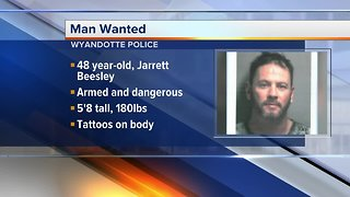 Wyandotte Police searching for suspect in felonies
