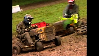 Extreme Mower Racing - Video