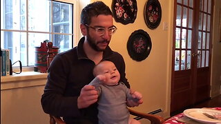 Dad uses baby for 'drum solo' in adorable footage