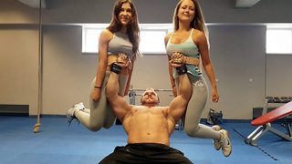 Amazing moment man bench presses two women both weighing 50kg - Video