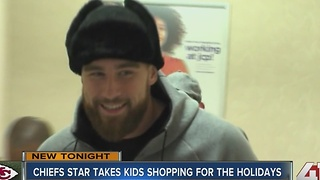 Chiefs tight end takes 50 kids on shopping spree