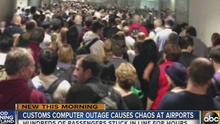 Computer outage at U.S. Customs causes chaos at airports - Video