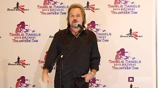 Travis Tritt on how Charlie Daniels helped him in his early career | Rare Country - Video