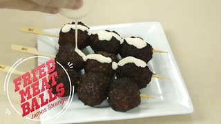 Korean street food: Fried chicken meatballs - Video