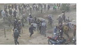 3 Dead and Dozens Injured as Police Clash With Protesters in Southern Nepal - Video