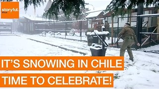 Chilean Police Throw Snowballs at Workers During Rare Winter Weather - Video