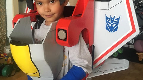 Kid's Transformers Costume Can Turn Into Starscream And We Are In Awe