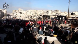Large Crowd Gathers to Board Buses Out of Rebel-Held Aleppo - Video