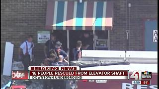 18 people rescued from elevator shaft - Video