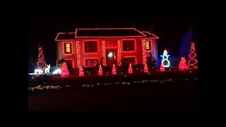 Epic Christmas light display on Connecticut home - Video