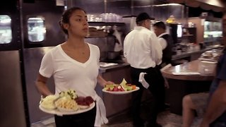 Federal Minimum Wage Is Still Stagnant Despite State, City Increases - Video