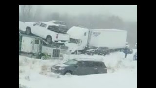 Multiple Injuries Reported in 40-Vehicle Wisconsin Pile-Up - Video