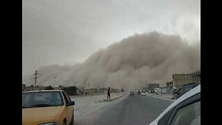 Large Dust Storm Rolls Across Southern Iraq