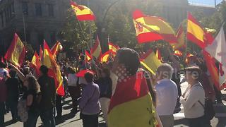 Thousands gather in Madrid to support Spanish unity - Video