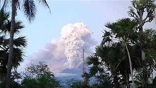 Bali's Mount Agung Volcano Spews Huge Plume of Smoke - Video