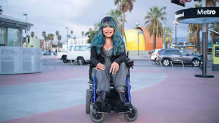 Breaking Hollywood As A Disabled Make-Up Artist I SHAKE MY BEAUTY