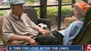 90-Year-Old Golfer Helps Wife Living With Alzheimer's - Video