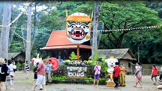 Giant Monkey Head Show At The Angkor Thom Bayon Temple