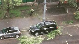 Severe Storm Wreaks Mayhem in Moscow - Video