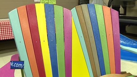 Former bullying victim delivers friendship benches to Fond du Lac schools