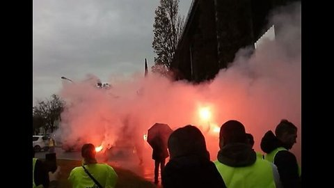 Demonstrators Shut Down Roads Across France Amid Nationwide Tax Protests