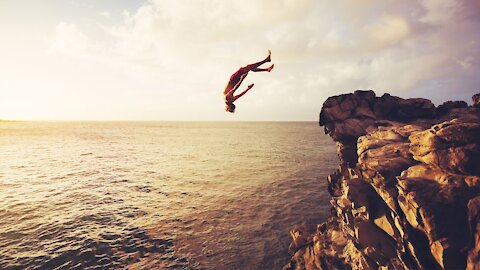 How to Survive Cliff Diving / a Cliff Diving Accident