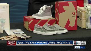 Getting last minute Christmas gifts - Video