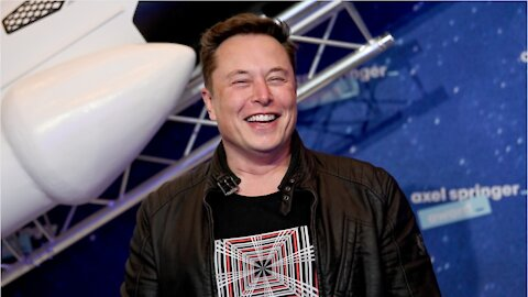 "Elon Musk Sells 3 Homes, Vows To ""Own No Home"""