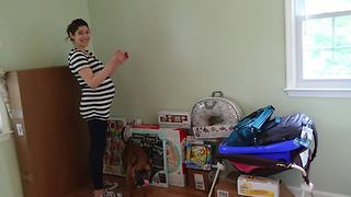 Leah's pregnancy time lapse: 41 weeks in 3 minutes!