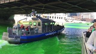Chicago River dyed green for St Patrick's Day - Video