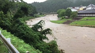Swollen River Rages in Kyoto as Torrential Rain Leads to Mass Evacuations - Video