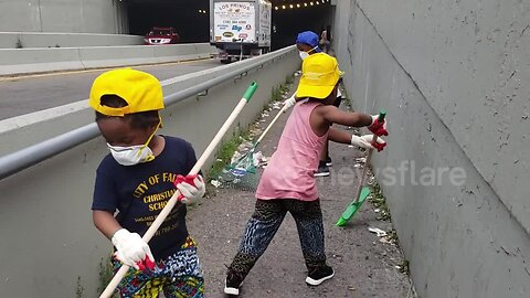 New York family take to the streets to clean up garbage