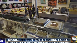 Auction house targeted by thieves in Scottsdale - Video