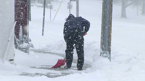 Health safety tips for shoveling snow