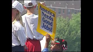 10 years ago: Nationwide minimum wage increase - Video